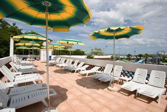 Hotel con piscina gatteo mare acquapark gobbi hotels - Hotel gatteo mare con piscina ...
